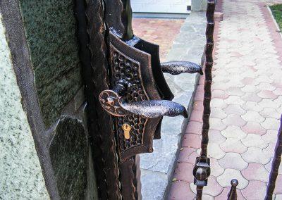 ketszarnyu-kapus-kovacsoltvas-kerites-23